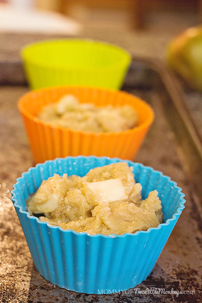Are you looking for a delicious gluten free muffins recipe? We adapted an apple cake recipe for a gluten free diet and came up with these amazing apple pie muffins that are a huge family hit!