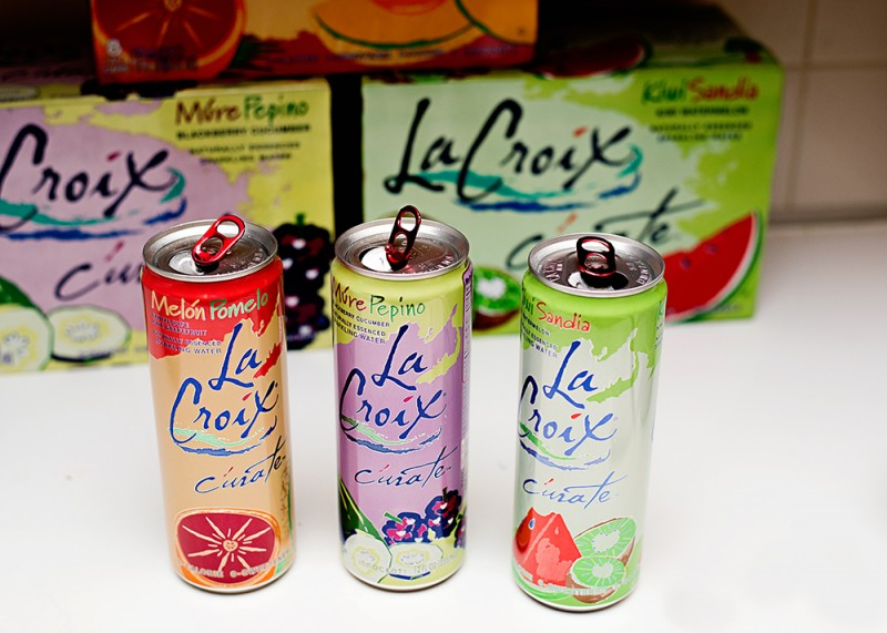 Fizzy Strawberry Mocktail - LaCroix Sparkling Water makes this drink refreshing, tasty and perfect for a low calorie, afternoon treat!