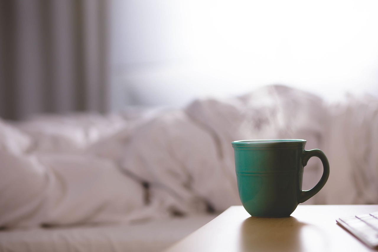 Tips & Tricks to Becoming a Cheerier Morning Person