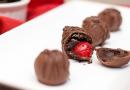 Chocolate Covered Cherry Oreo Cookie Balls