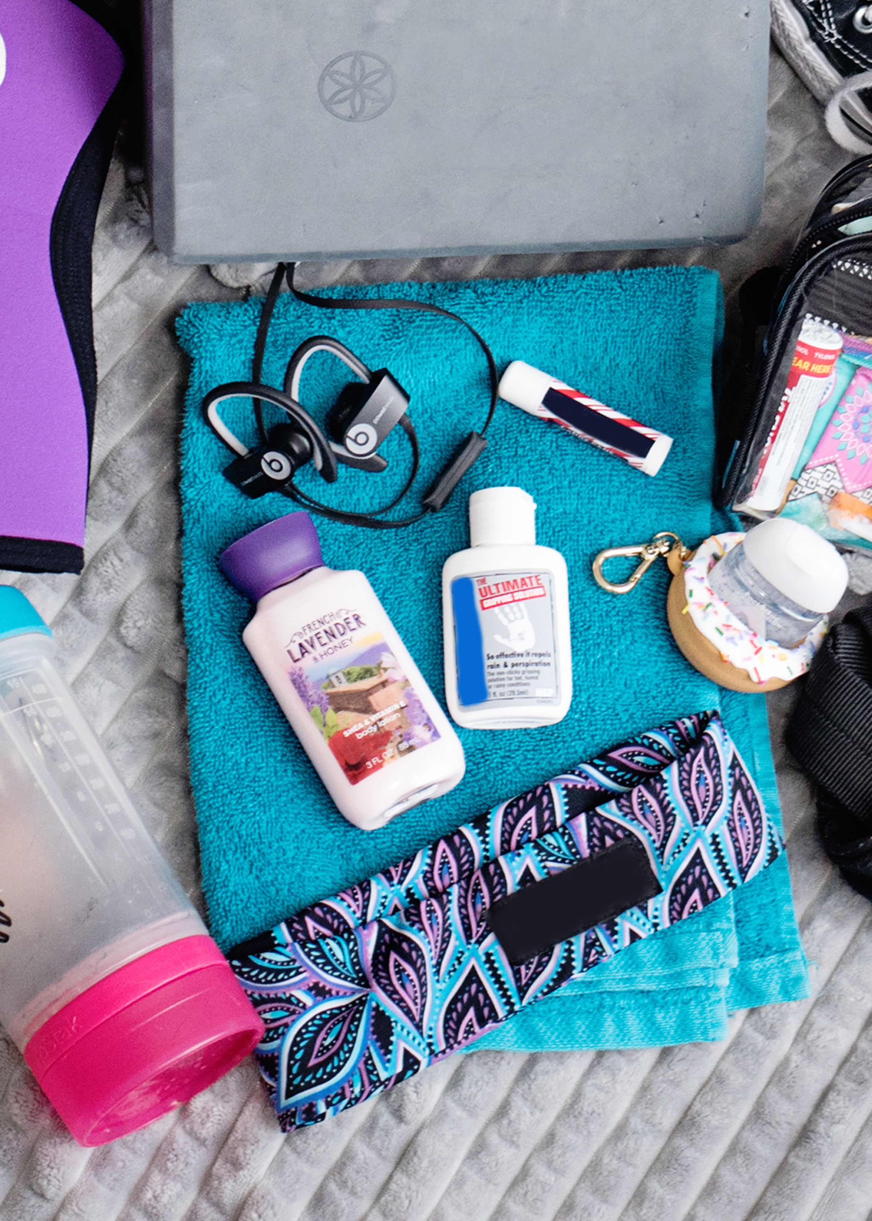 What to Bring to the Gym - Fall Gym Bag Essentials
