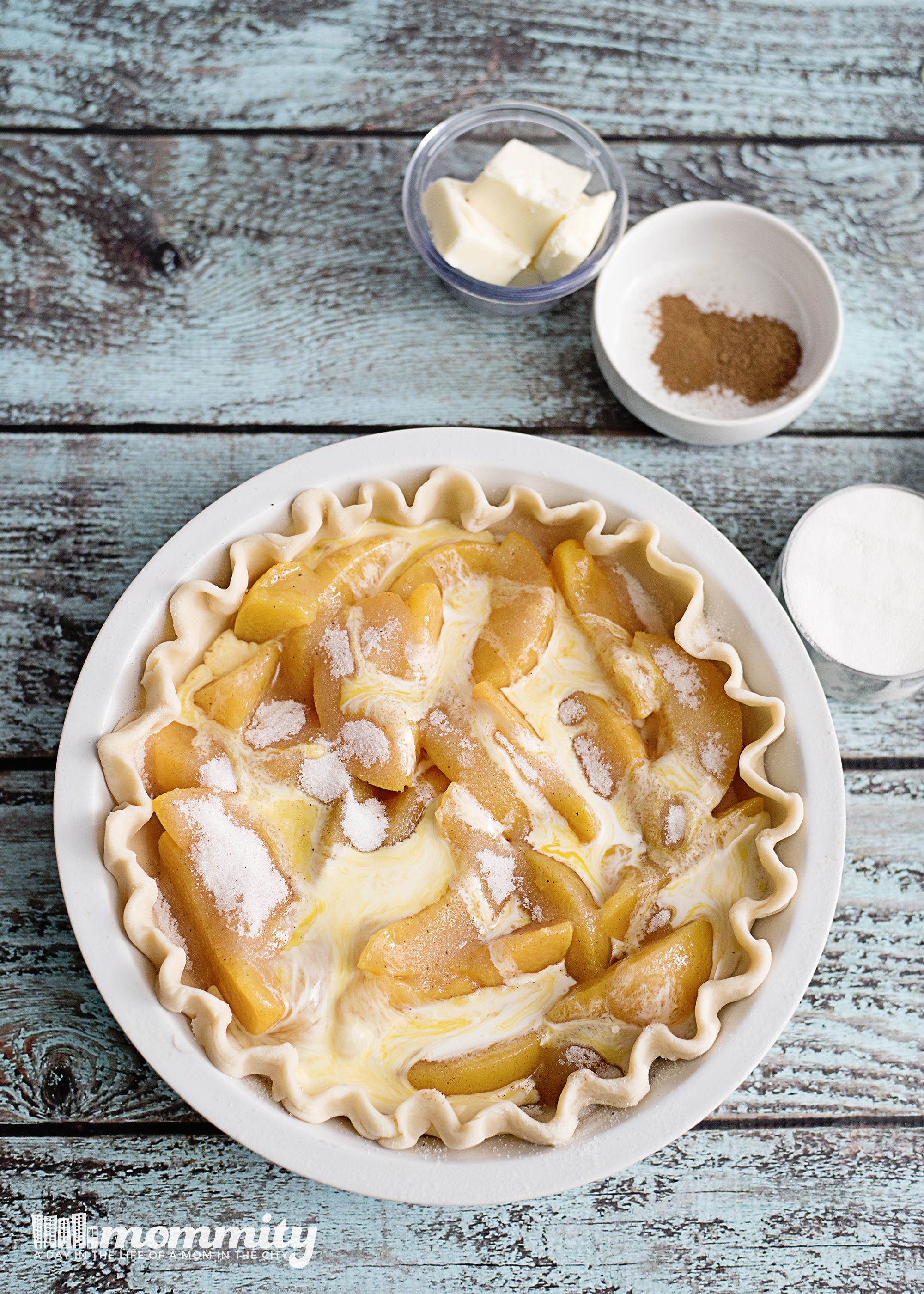 Delicious Peach Crumble Pie Recipe with Brown Sugar Topping