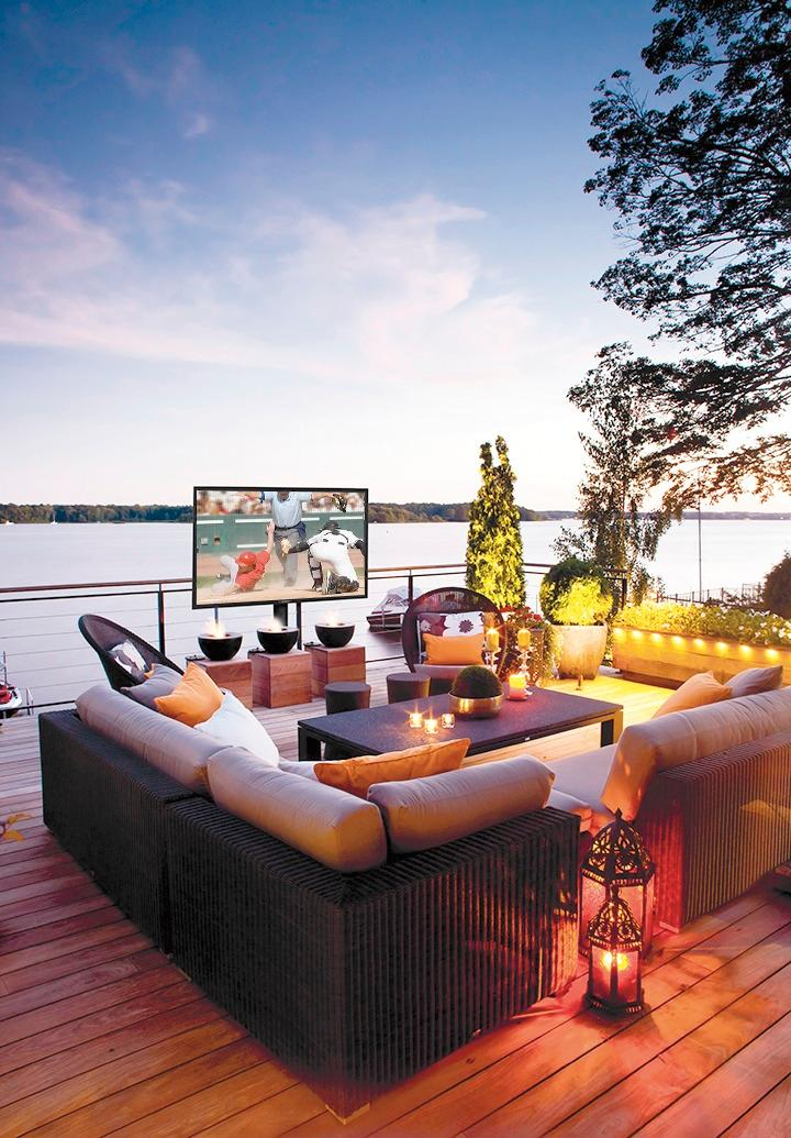 Enhance Your Outdoor Lifestyle With a SunBriteTV